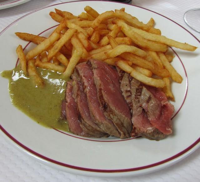 Le Relais de Venise steak.jpg