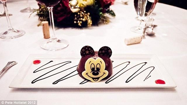 Mickey kaja.jpg