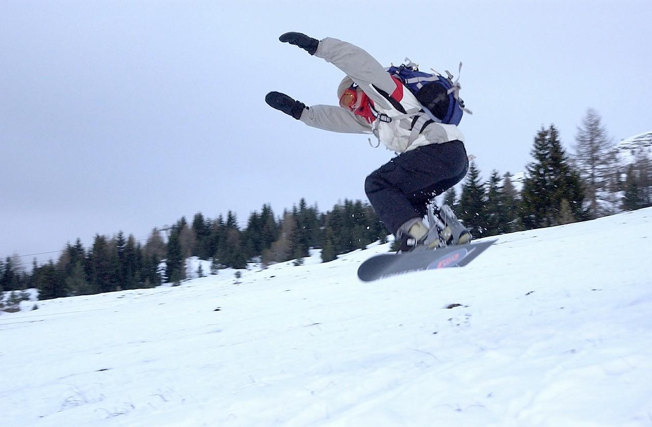 snowboard_foto_pixabay_com_skeeze.jpg