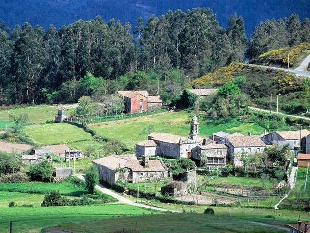 spanyol falu.jpg