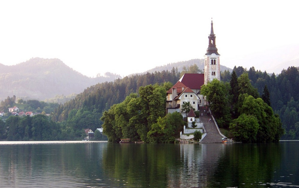szlovenia_bled_foto_pixabay_com_olleaugust.jpg