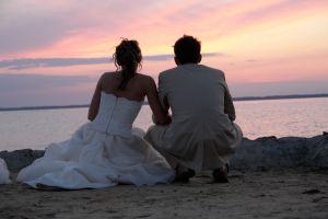 menyasszony-vőlegény tengerparton.jpg