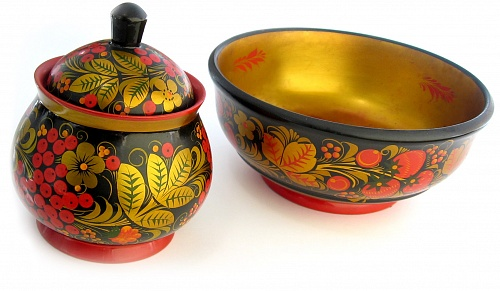 wooden-tableware-made-of-wood-by-hands-with-drawing-in-khokhloma-style-applied-by-tempera-paints_1407479531.jpg_500x291