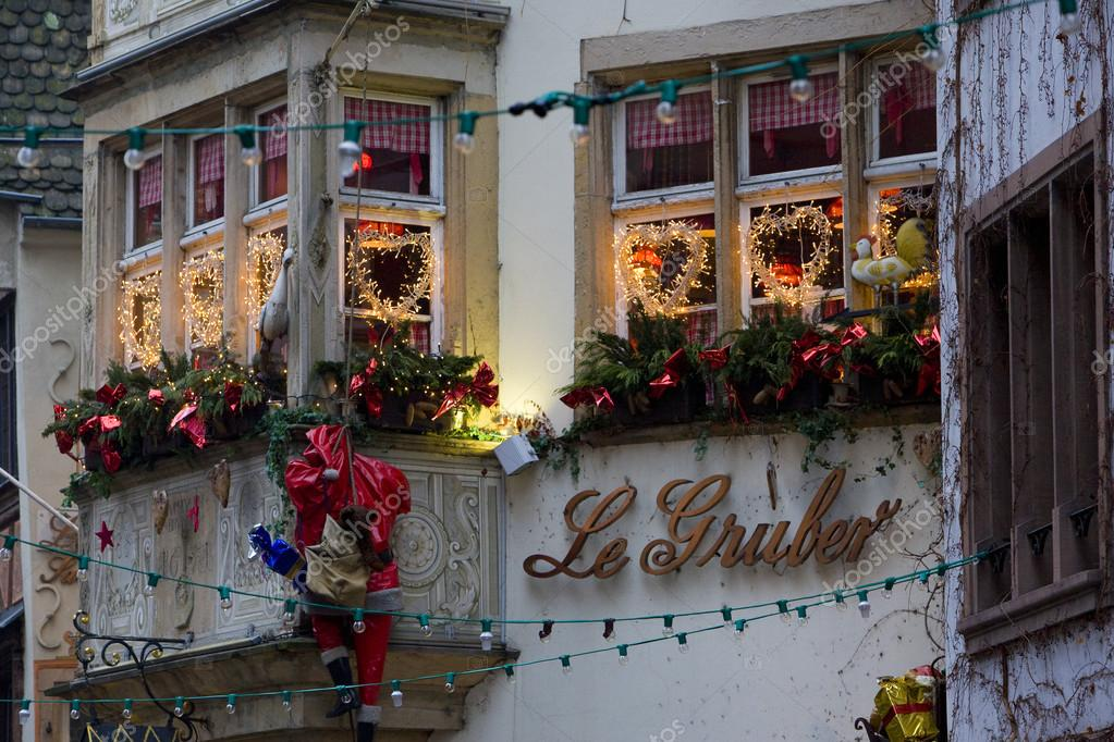 depositphotos_23607757-stock-photo-christmas-decoration-strasbourg-alsace-france.jpg