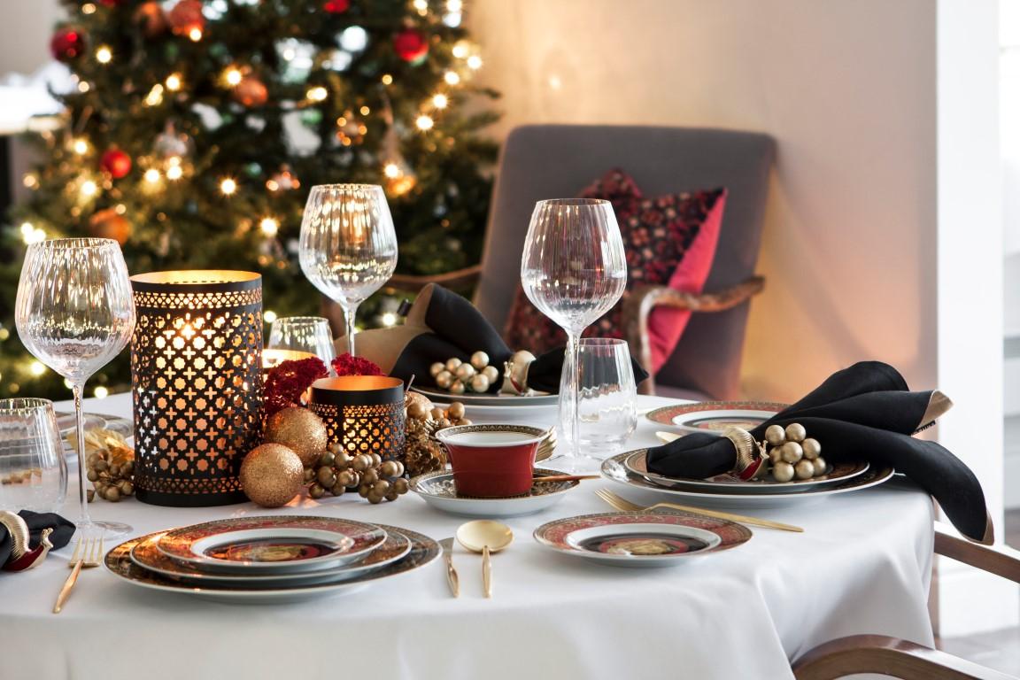 green-man-christmas-dining-red-landscape.jpg