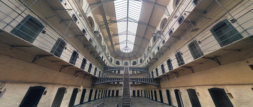 jail-1817900_960_720.jpg