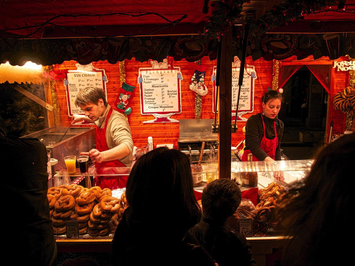 weihnachtsmarkt_gluehwein_christmas_market_in_strasbourg_g6i65.jpg