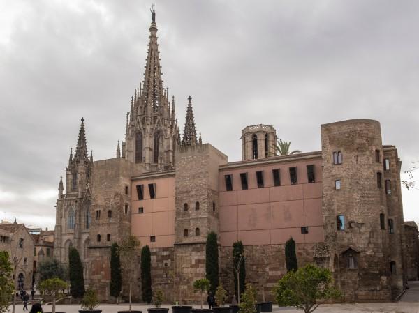 30_cathedral_de_barcelona_gotic_kicsik.jpg