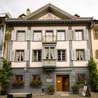 Képes riport egy svájci, XIX. századi, polgári lakóházról