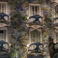 Vurstli Barcelona tetején, csontok Gaudí erkélyén