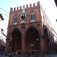 Bologna, a tudós, kövér, vörös város