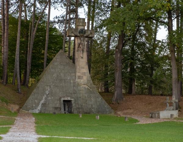 45_pyramide1_kicsik.jpg