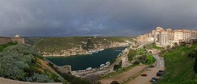 panorama19_kilatas_a_szallobol_Bonifacio_small