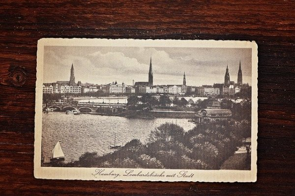postcard-777135_640