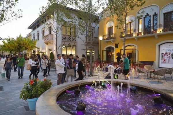 La-Roca-Village-es-uno-de-los-_54420786804_54028874188_960_639