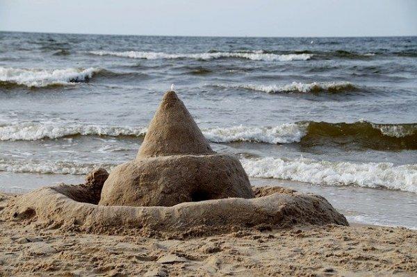 beach-854323_640