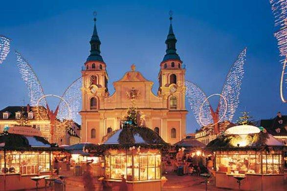 1b5cd02ac2-Marktplatz_Weihnachtsmarkt_