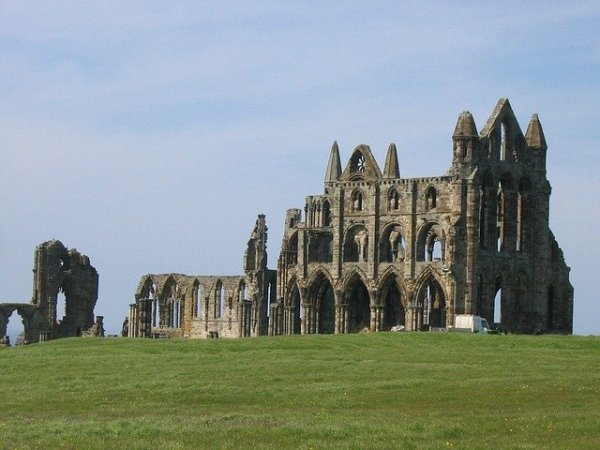 whitby-15168_640