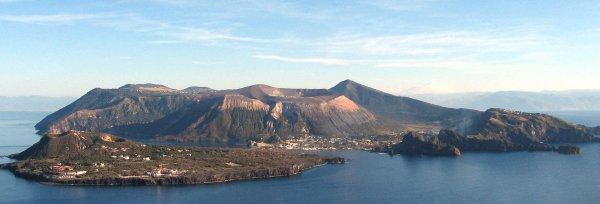 Isola_vulcano_600x204.jpg