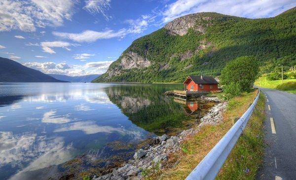hazikonk_a_fjordnal_a_tulajnak_elküldeni_HDR_small