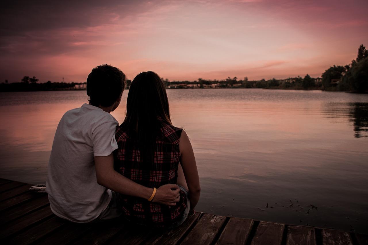 couple-1209790_1280.jpg