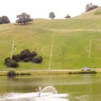 focipálya a hegyoldalba