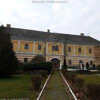 Ciszterci rendház - Előszállás