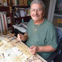 Egy magyar nyugdíjas, aki napi 5 órában építi pusztuló műemlékeinket