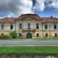 Ürményi-kastély és mauzóleum - Vál