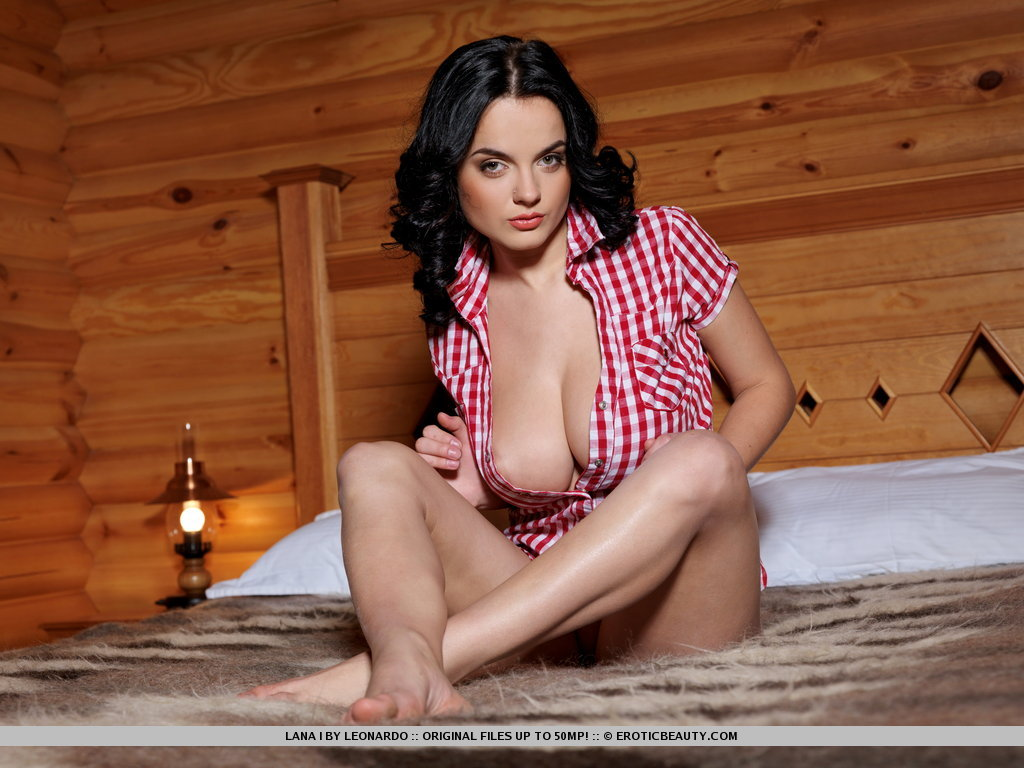 lana-i-private-cabin-01.jpg