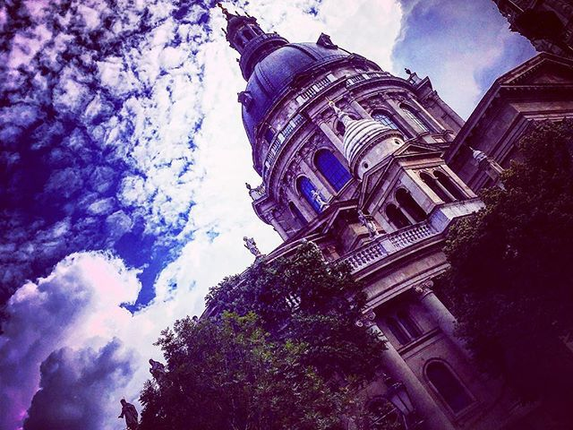 #capital #basilica #photoblogger #clouds #architecture #budapest #carpediem
