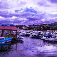 Csónakkal az Atitlan-tó körül