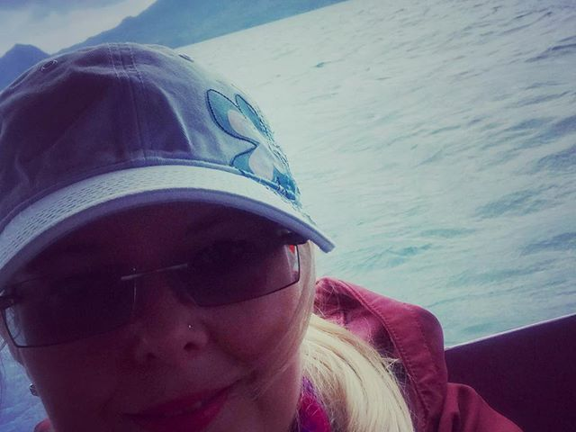 #photoblogger #byboat  #lagoatitlan #lake #waves #vulcano #latinamerica #daretotravel #carpediem #szilviaschafferphotography