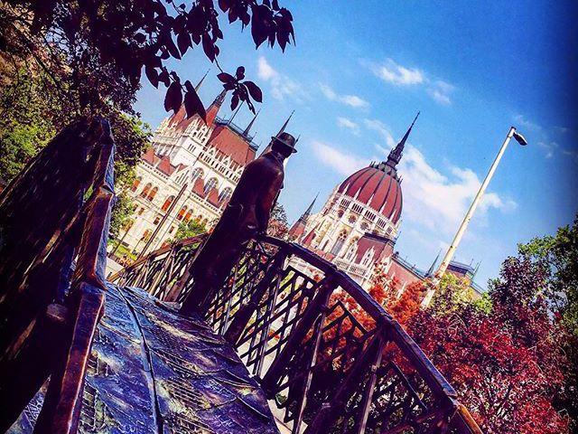 LookBackAnger #capital #photoblogger #architecture #parlament #lookbackinanger #citylife #lovecolours #oldtown #budapest #travelphotography #szilviaschafferphotography