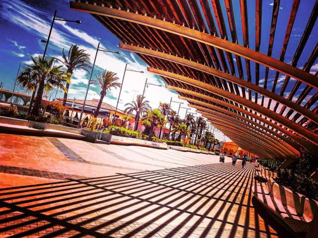 #passage #architecture #lightsandshadows #sunshine #summertime #beautifulsky #bluesky #cumulus #palmtrees #seaside #takeawalk #photoblogger #szilviaschafferphotography #sky #carpediem