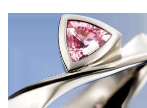 300_padparadsha_sapphire_trillion_cut_gem_stone_white_gold_platinum_ring_engagement.png