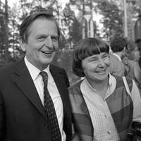 Az ember, aki a tűzzel játszott – Könyv a Palme-gyilkosságról Stieg Larsson levele nyomán I.