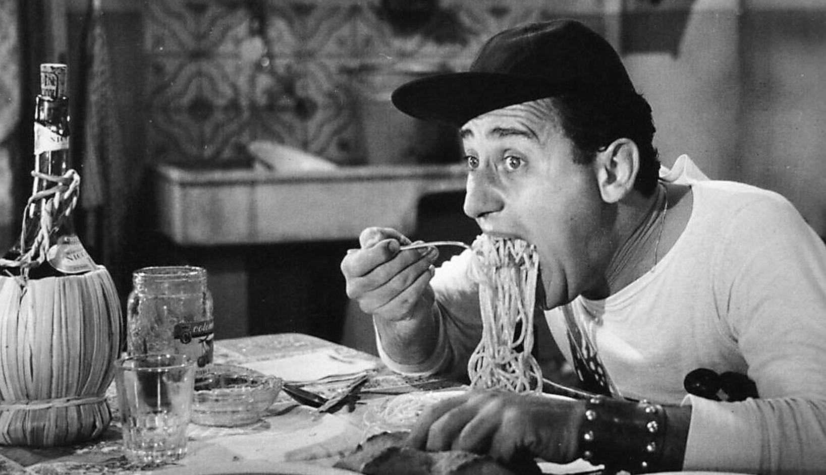 alberto_sordi_scena_degli_spaghetti_un_americano_a_roma_1954.jpg