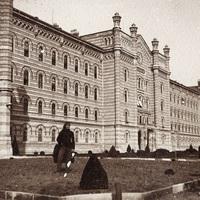 Egy impozáns épület, a kismartoni császári és királyi katonai főreáliskola