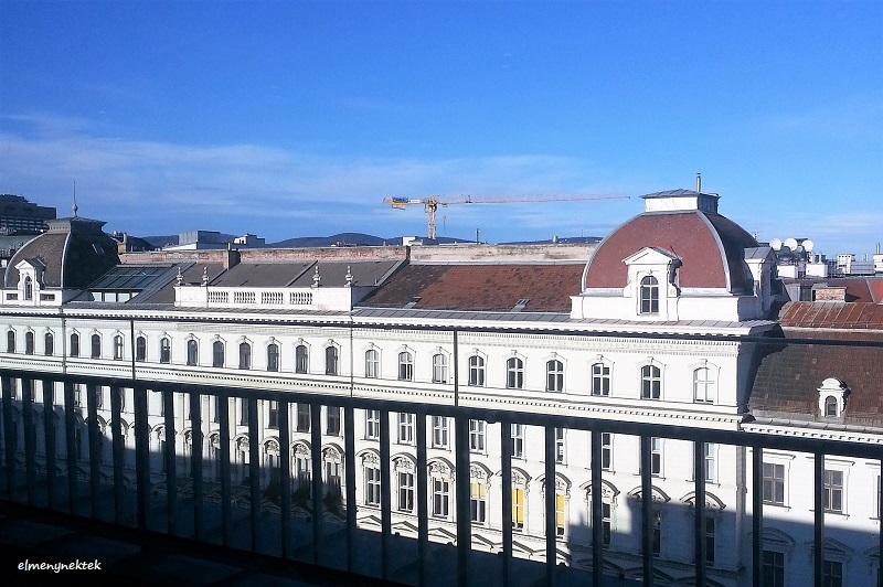 Kilátás a Bécsi Egyetem 7. emeleti menzájának ablakából.