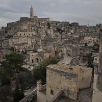 A rideg város, Matera