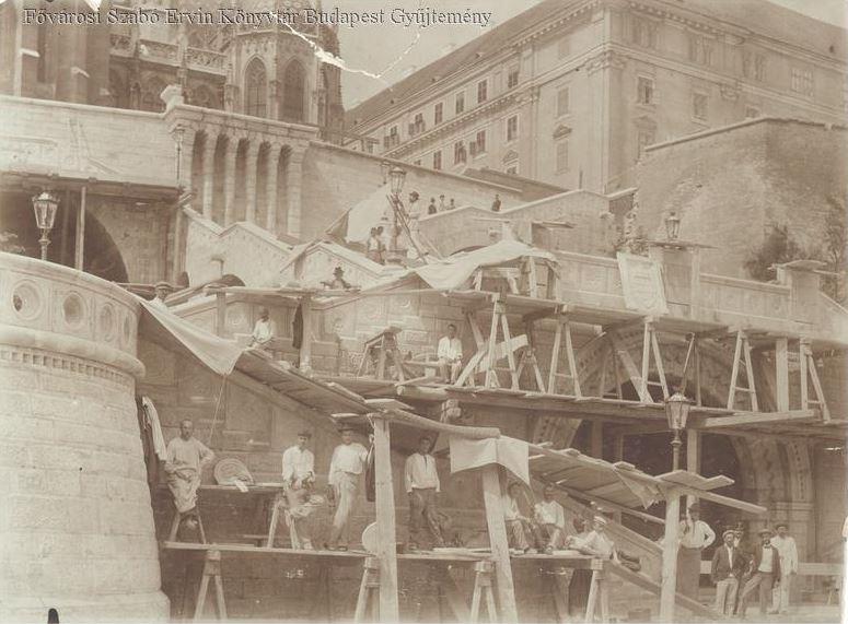 halaszbastya_epitese_1895-1902_bpkep_fszek_hu.JPG