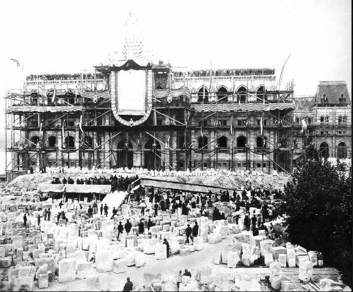 parlament_epitese_budapest1kor_blogspot_hu.JPG