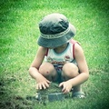 Kicsi ember, nagy kalapban