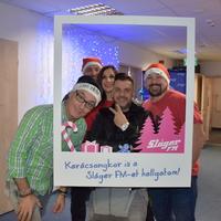 Jótékony célú nyereményjátékkal teszi szebbé a karácsonyt a Sláger