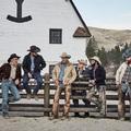 Ma beköltözik otthonunkba a cowboy kalapos Kevin Costner és családja