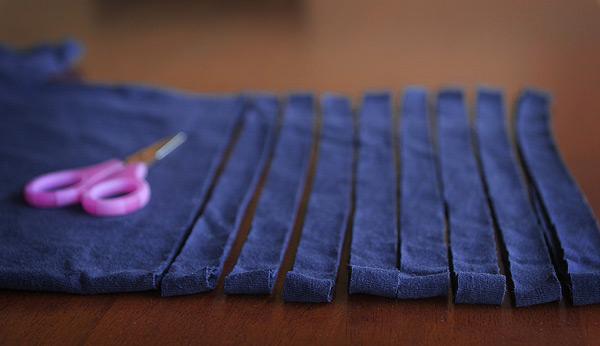 no-sew-tshirt-scarf-3.jpg