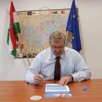 A nemzeti konzultáció kitöltésére buzdít Hadházy Sándor