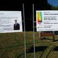 Nem fideszes a körzet képviselője, így a fideszes polgármester fotójával hirdetik a járdaépítést