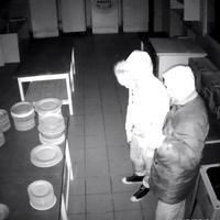 Egy szentendrei hotelből lopott a két férfi, keresik őket